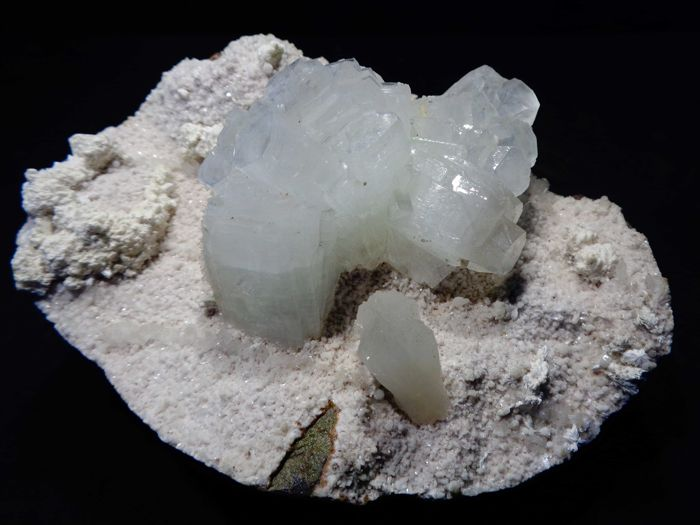 Glassy Apophyllite crystal flower with Stilbite on Heulandite matrix- 14 x 11.5 cm - 645 gm