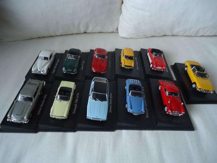 Atlas - Scale 1/43 - Lot with 11 models: Mini, MG, Jensen, Austin Healy, Triumph, Jaguar,
