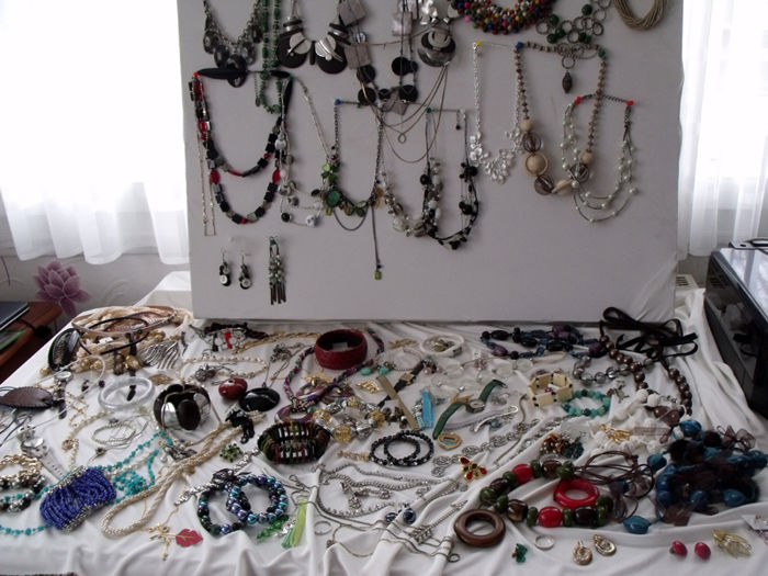 Lot of over 140 fancy jewellery and watches