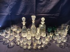 39 pieces of cut glass including carafes and glasses - England, circa 1900 and later