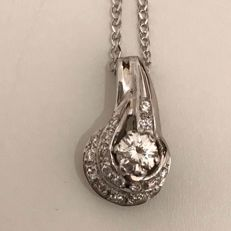 Pendant in 18 kt white gold with 0.42 ct diamonds
