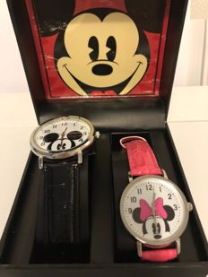 Disney, Walt - 2 watches in box Accutime - Mickey & Minnie Mouse