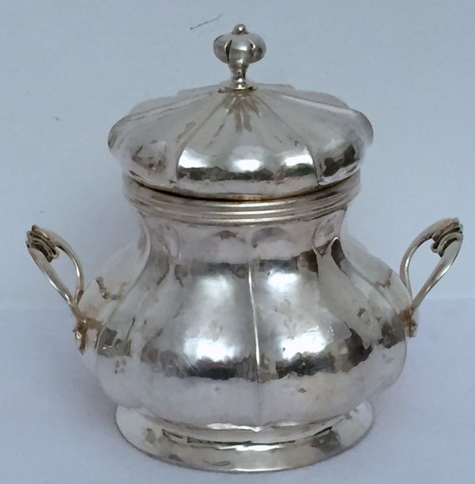 Sugar Bowl, revival of the style Louis XV, Aurelio Sandonà Silversmith Vicenza (Italy), 20th century