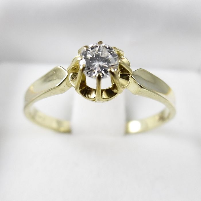 14 kt gold solitaire ring with 0.18 ct brilliant-cut diamond - G-VVS ring size 18.25 (57)