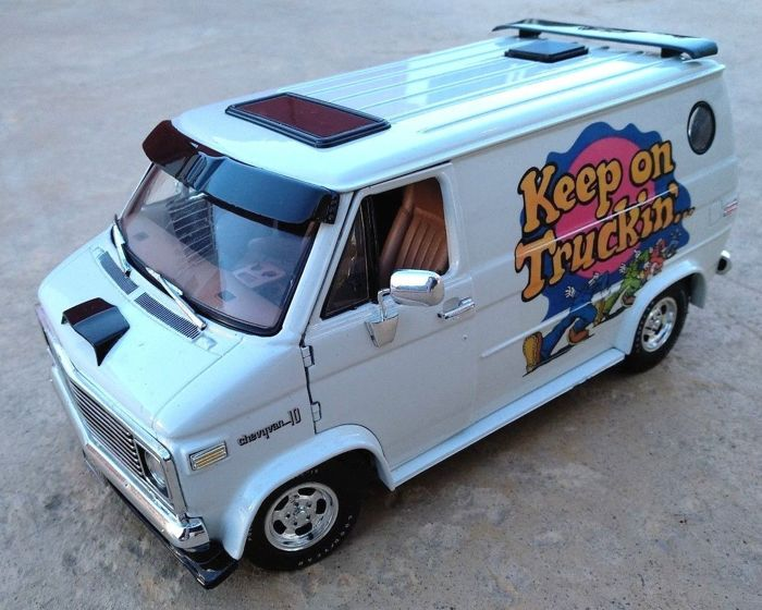 highway 61 scale 1 18 chevrolet g10 van keep on trucking catawiki