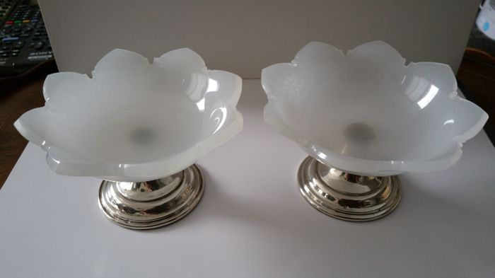 Two antique opaline salt/spice cellars on silver bases - The Netherlands - 1860-1880