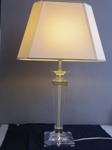 Unknown manufacturer - table lamp with stylish plexiglass base and cream-coloured shade