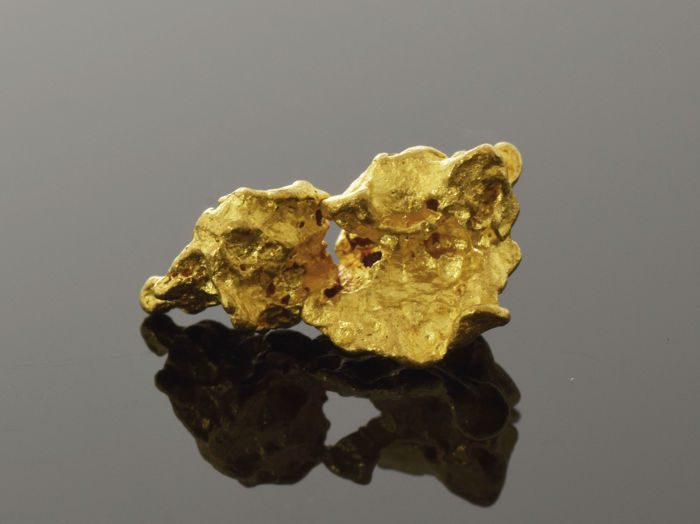 Natural Gold Nugget - 12.6 x 7.4 x 5.1 mm - 1.734 g.
