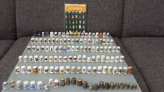 "Collection of 130 thimbles + book ""Thimbles"" by Eleanor Johnson"