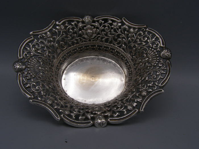 Silver openwork chocolate bowl with floral decoration