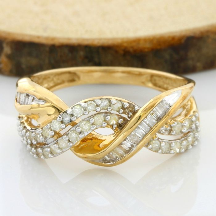NO RESERVE PRICE* - 14 kt Yellow Gold 0.50 ct Diamond Ring; Size ...