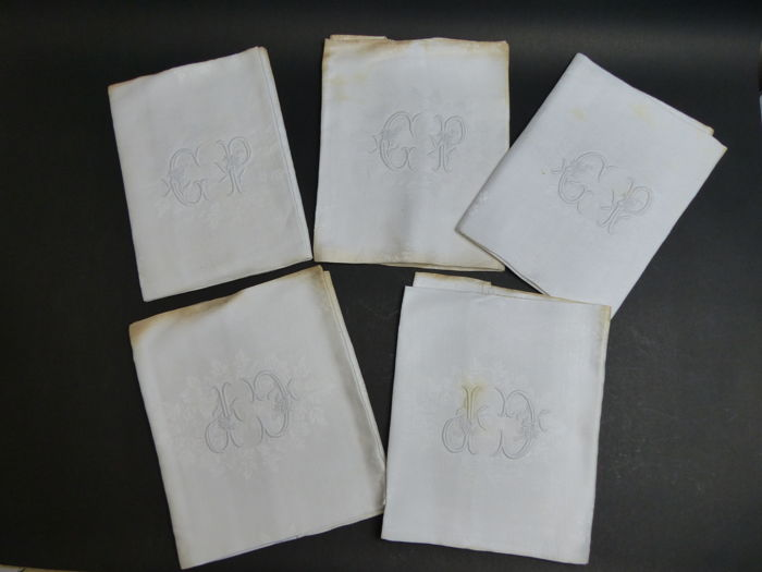 4 beautiful  damask serviettes  with monogram,france. 1900