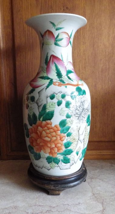 Grand vase au décor floral et Inscriptions - Chine - ca1920