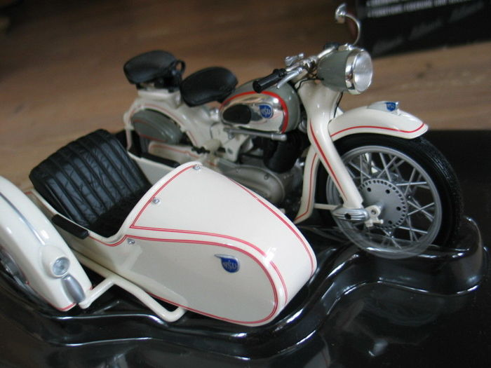 Schuco - Scale 1/10 - NSU Max with side-car - White