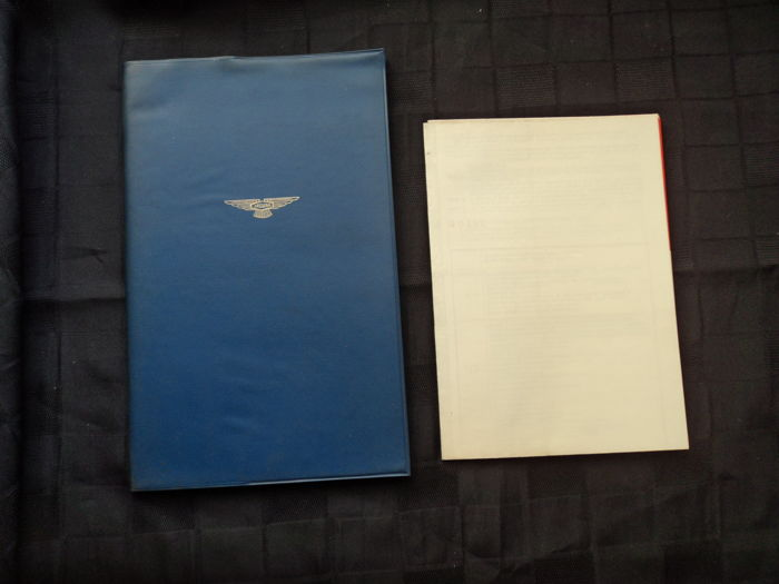 1 x original Jaguar MK IX saloon manual & 1 x poster Jaguar MK IX maintenance chart (like new)