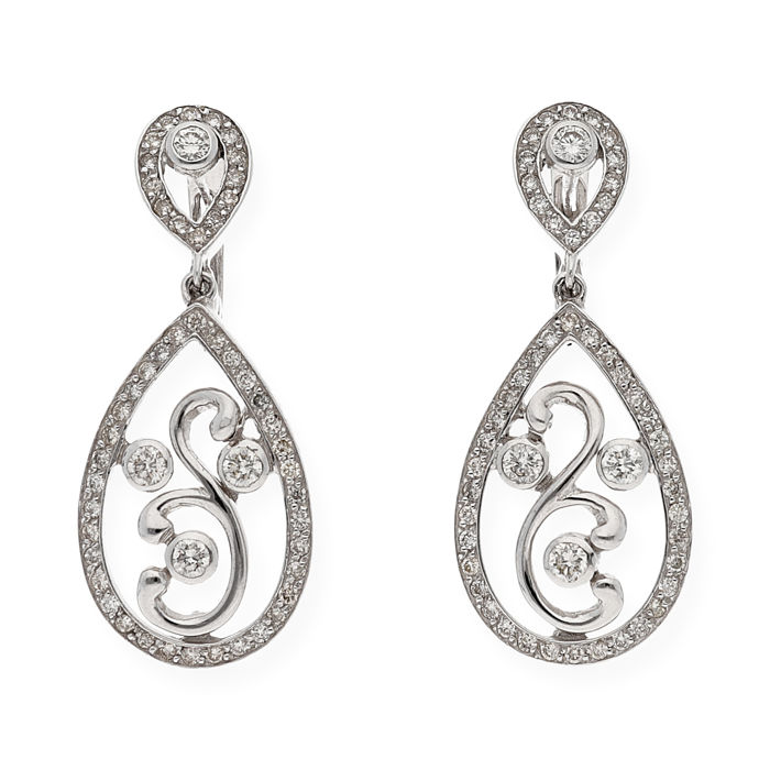 Long earrings made of 750/1000 (18 kt) white gold, in the shape of a dual tear drop, with brilliant-cut diamonds Maximum earring height: 35.50 mm