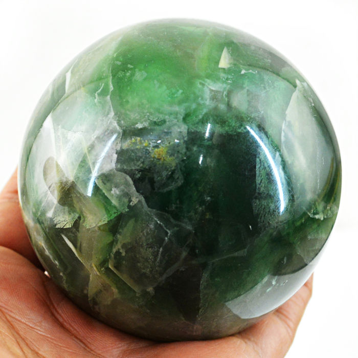 "Very Fine Green Fluorite ""healing ball"" - 68 mm - 633 gm"