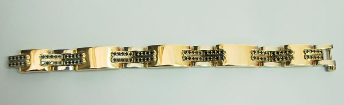 Excellent hand made, gold bracelet of 14 carats solid Yellow gold and 100 black diamonds: Total: 3.55 carats / No Reserve Price
