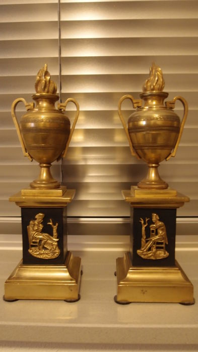 Set gold plated and black patinated bronze ornamental vases / cassolettes with decor of Napoleon on the base - France - ca. 1900