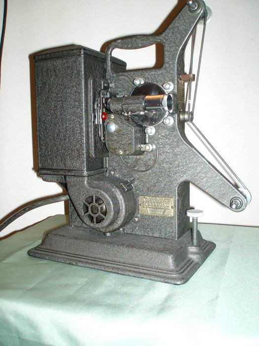 Antique projector - Keystone Model M-8 8mm Projector - No 415395- from circa 1930