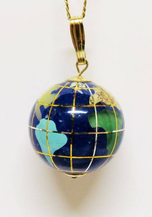 14 kt (585) gold 3D globe pendant with natural lapis lazuli, turquoise, jadeite, mother of pearl, jasper, agate