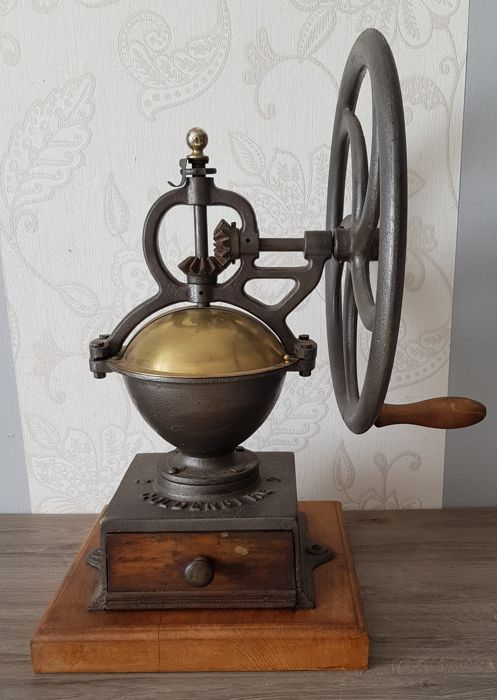 Very large coffee grinder for on the counter Goldenberg No. 2 with wheel, c. 1890