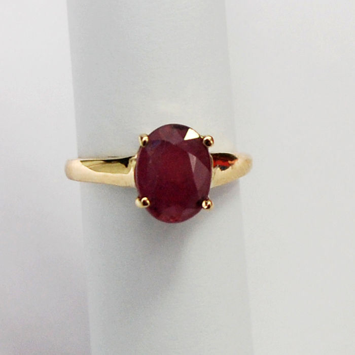 14 kt woman gold ring with natural ruby 2.55 ct / No Reserve Price