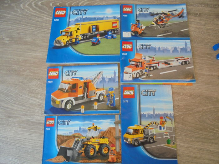 City - 3221 - 7686 - 7638 - 7630 - 3179 - LEGO Truck + Helicopter ...