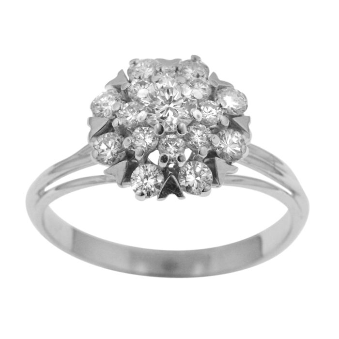 Classic 1.05ct Diamond 'Entourage' Ring, 18k Gold, as new.