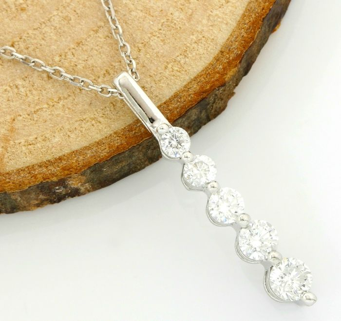 No Reserve Price - 14kt White Gold 0.50 ct Diamond Pendant Necklace - 45 cm