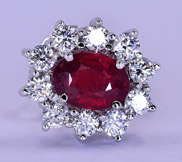 3.15 Ct Ruby and Diamonds, rosette earrings - 18kt white gold - 20 brilliant cut diamonds – Size: 13x11 mm - NO RESERVE price!