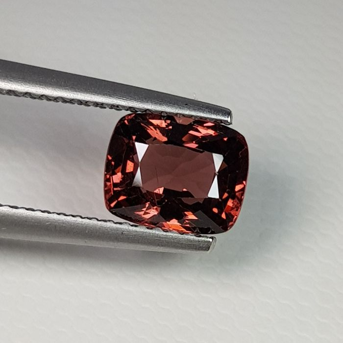 Pink Brown Spinel - 2.01 ct