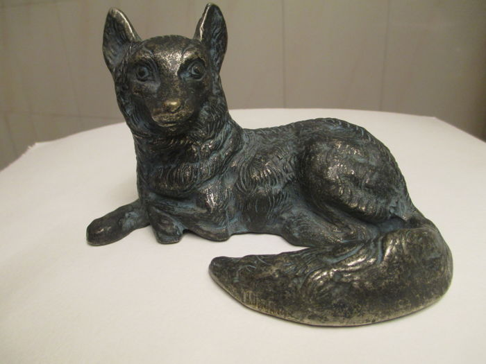 Fox sitting with vigilant look, bronze sculpture - Italy - first half of 20th century