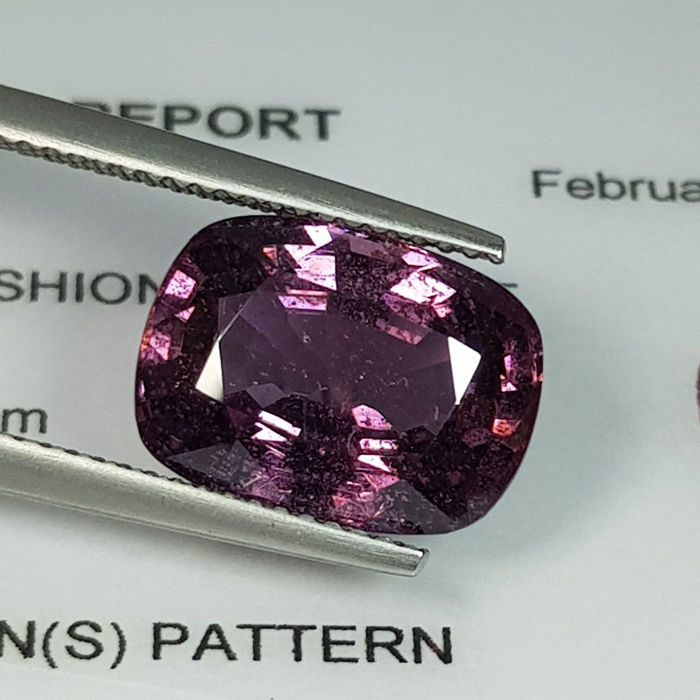 Pinkish purple Spinel  - 7.49 ct