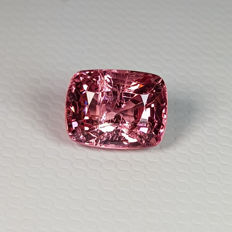 Orangy Pink Spinel - 1.92 ct