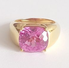 Ring made of 18 kt yellow gold with a 6 ct rose quartz - Size: 17.2 mm, 14/54 (EU) - Free resize to 20 mm 23/63 (EU)