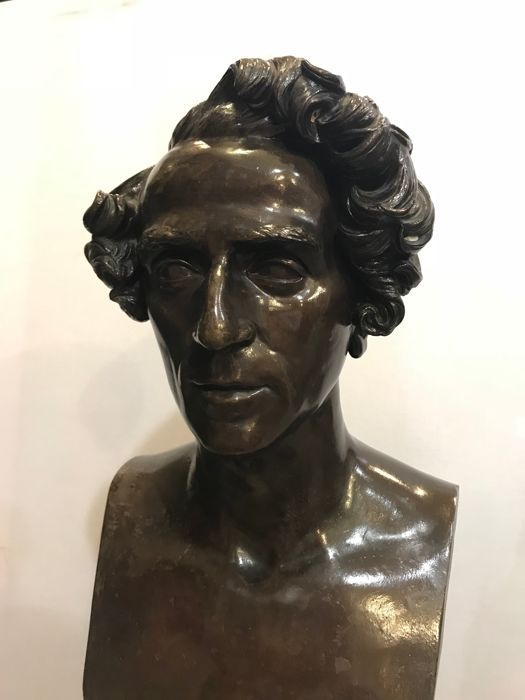 Jean Pierre 'Le Jeune' Dantan (1800-1869) - Gran busto en bronce del compositor Giacomo Meyerbeer - France - signed and dated in 1831