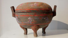 A Fine Painted Pottery Ding Tripod, Han Dynasty - Diameter 26 cm. Tl-test