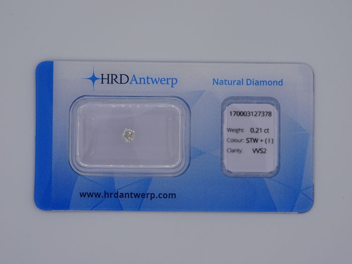 0.21 ct brilliant-cut diamond - Colour Slightly Tinted White (I) - VVS2