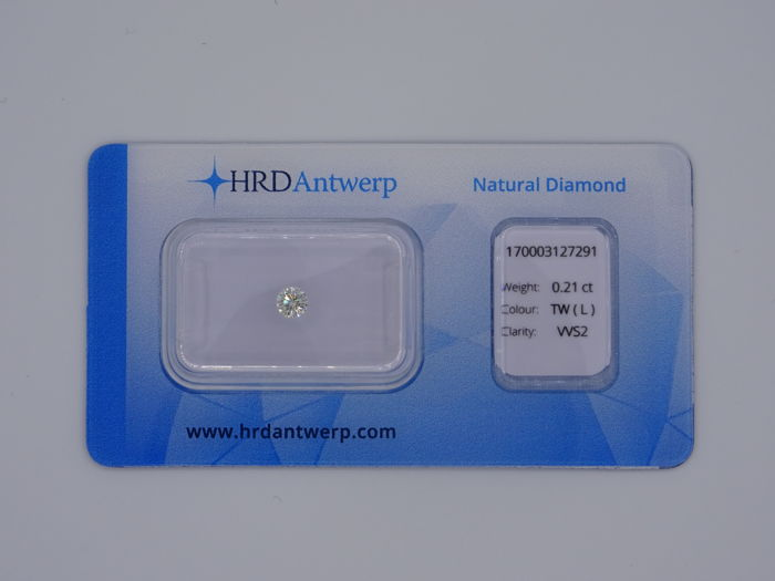 0.21 ct. Brilliant cut diamond - Colour Tinted White (L) - VVS2