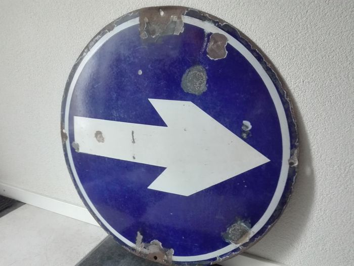 Traffic sign from the 1960s