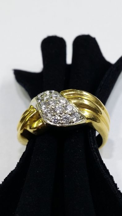 18 kt cocktail ring with diamonds Size: 55/15