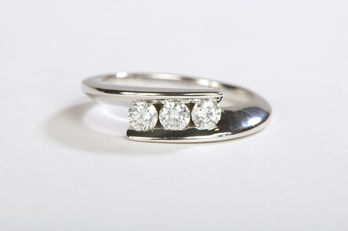 Bague - Or blanc 18 K - Diamants 0,30 ct - Taille 51