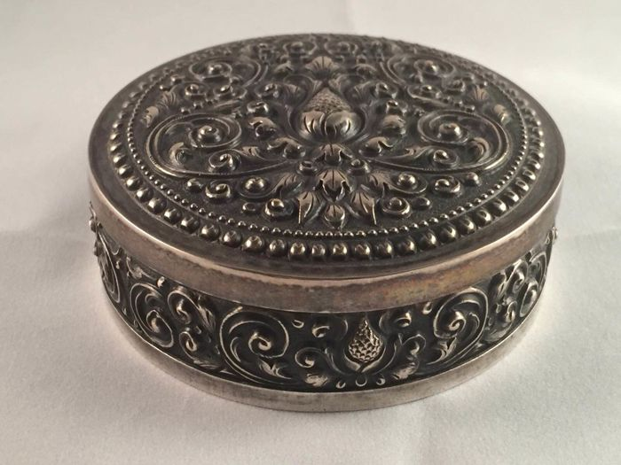 Silver box, Indonesia, 1930s