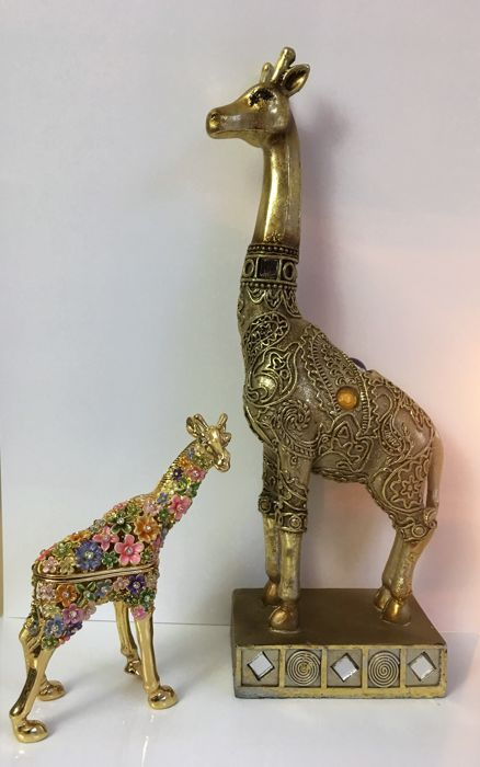 2 Giraffes, 1 Gold-plated multicolor cloisonne trinket box with crystals, one goldpainted with ornamental patterns