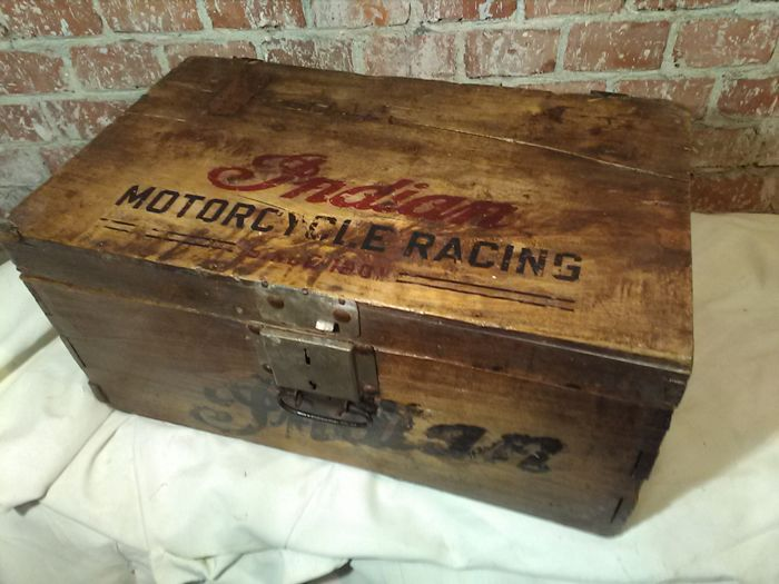 Garage tool box crate with printed lid and front, 1930s/'40s