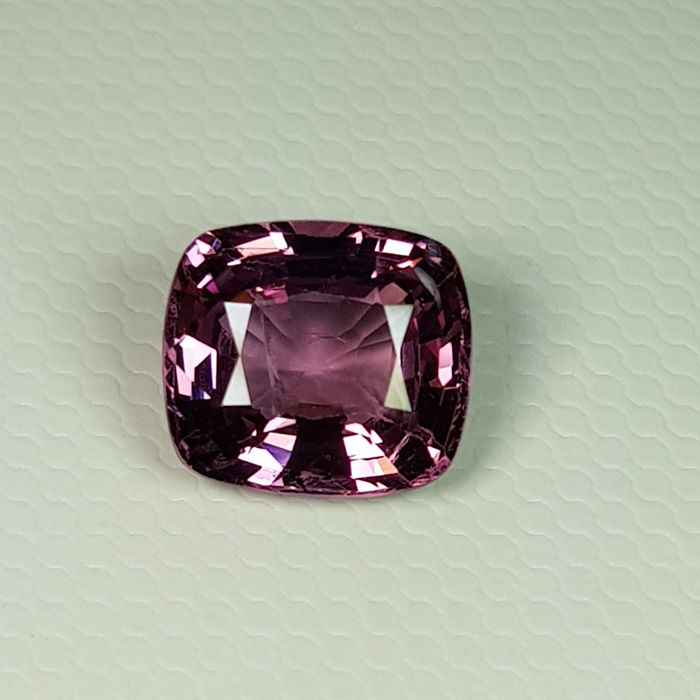 Purplish Pink Spinel - 2.51 ct