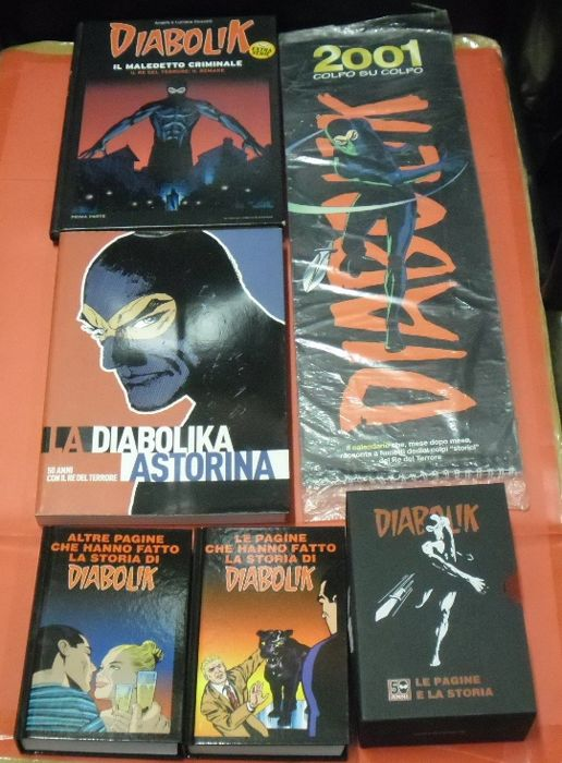 Diabolik - 5x items, of which 2x are comic albums with slipcase  (2012)