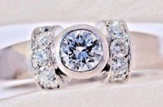 18kt white gold Ring 5,70 gr. - set with 0,80 ct Diamonds - size 7 1/4 - Free resizing