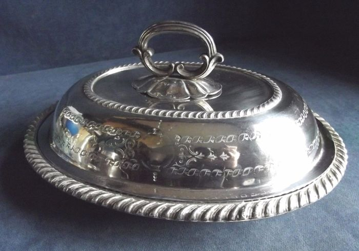 Antique silver plated serving dish with lid and handle, richly engraved, ca. 1890